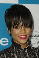file_122_14341_rihanna-hairstyle-pixie-bangs