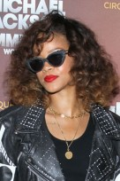 file_140_14341_rihanna-hairstyles-brushed-curls