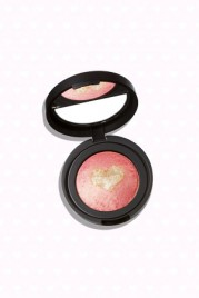 file_28_14491_br-valentines-day-laura-geller-heart-blush