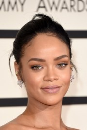 file_5_14481_rihanna-grammys-best-beauty