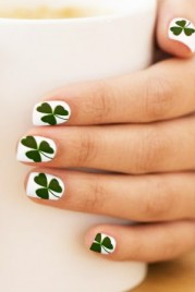 file_19_14601_08-beautyriot-8-st.patrick_27s-day-nail-ideas