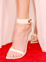 quiz_celeb-shoe-match-charlize-theron-closeup