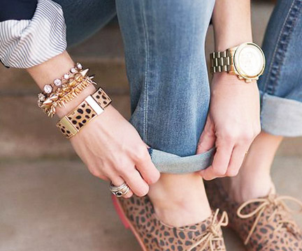 6 Cute -- and Functional -- Fashion Accessories You Need Now