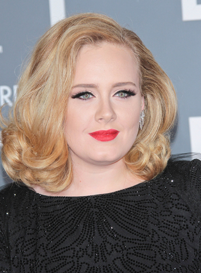 Adele's Short, Curly, Blonde Bob