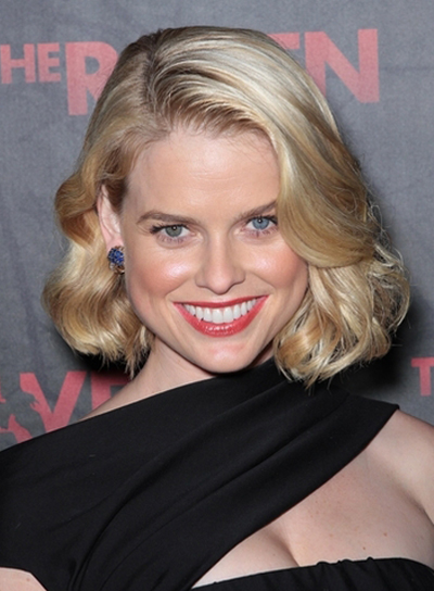 Alice Eve's Medium, Romantic, Wavy, Bob Hairstyle