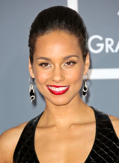 Alicia Keys' Chic, Short, Straight, Sophisticated Hairstyle