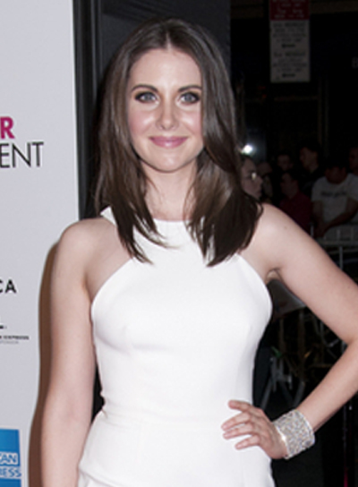 Alison Brie's Medium, Layered, Chic, Brunette Hairstyle
