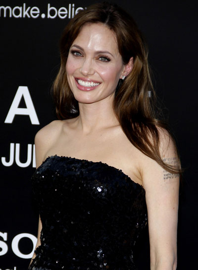 Angelina Jolie Straight, Brunette Hairstyle