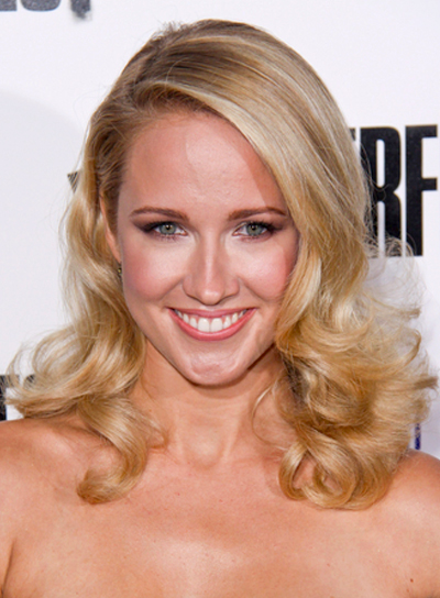 Anna Camp's Romantic, Curly, Blonde, Party Hairstyle