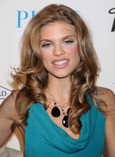 AnnaLynne McCord Curly, Romantic Hairstyle