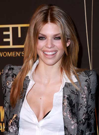 AnnaLynne McCord Straight, Chic, Brunette Hairstyle
