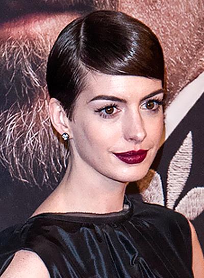 Anne Hathaway's Short, Brunette, Chic, Formal Hairstyle