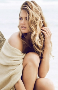 How To Master Beachy Waves, No Vacation Required