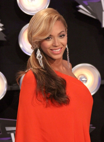 Beyonce Knowles Long, Romantic, Sophisticated Ponytail