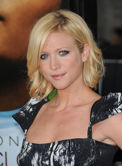 Brittany Snow Romantic, Blonde Bob