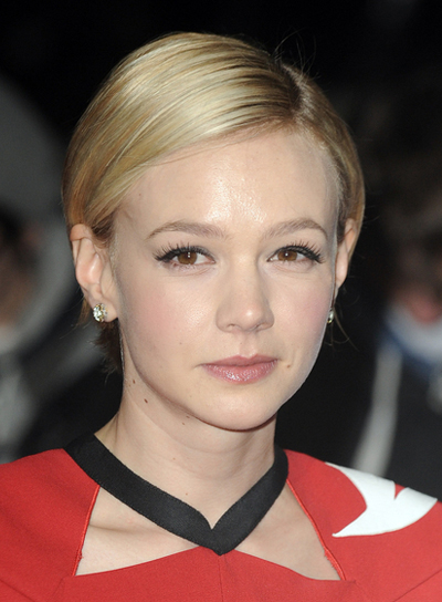 Carey Mulligan Chic, Sophisticated, Blonde Hairstyle