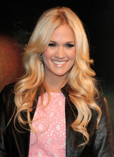 Carrie Underwood's Long, Blonde, Romantic, Curly Hairstyle
