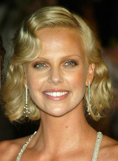 Charlize Theron's Blonde, Wavy Bob