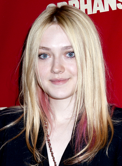 Dakota Fanning's Long, Edgy, Blonde, Straight Hairstyle