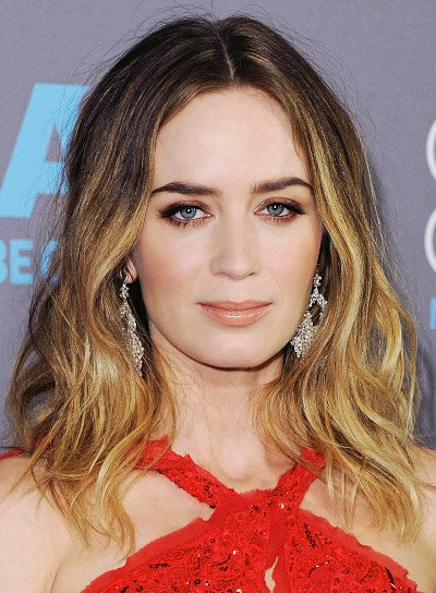 Emily Blunt with a Sexy, Tousled, Medium, Blonde Hairstyle Pictures