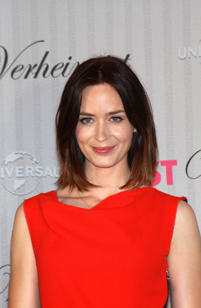 Emily Blunt's Medium, Chic, Brunette, Bob Hairstyle