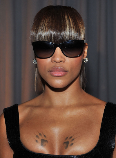 Eve Straight Ponytail with Highlights and Bangs
