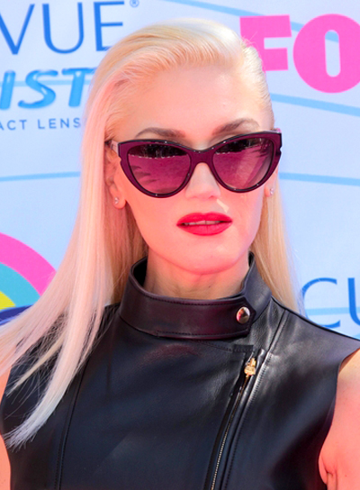 Gwen Stefani's Long, Straight, Blonde, Chic Hairstyle