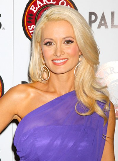 Holly Madison's Long, Wavy, Blonde, Party Hairstyle