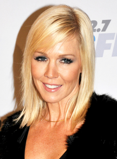 Jennie Garth's Medium, Straight, Blonde, Chic Hairstyle