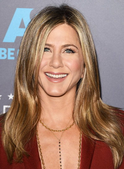 Jennifer Aniston with a Long, Straight, Layered Hairstyle with Highlights Pictures