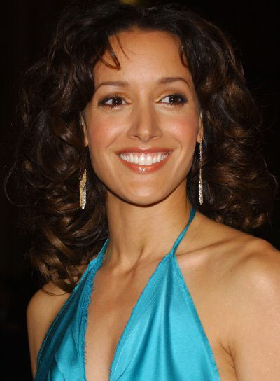 Jennifer Beals Long, Curly Hairstyle for Oval-Shaped Faces