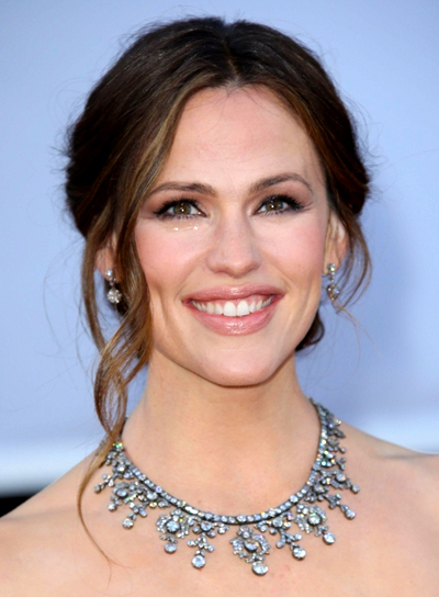 Jennifer Garner's Wavy, Formal, Brunette, Updo Hairstyle