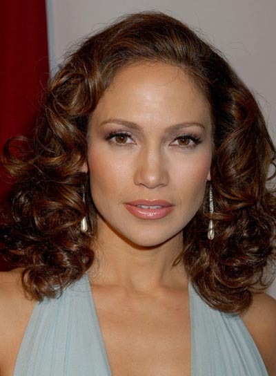 Jennifer Lopez Brunette, Curly Hairstyle