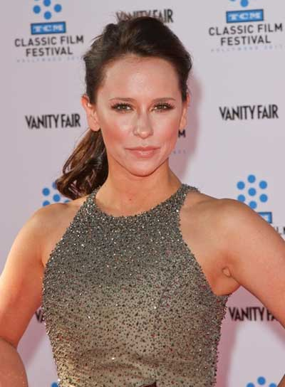 Jennifer Love Hewitt Curly, Sophisticated, Brunette Ponytail
