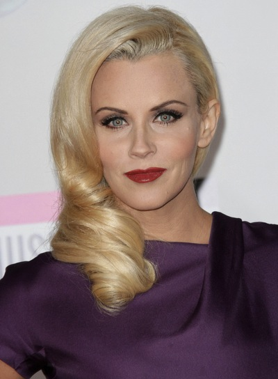 Jenny McCarthy Medium, Chic, Romantic, Blonde Hairstyle