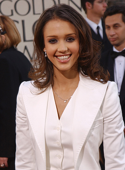 Jessica Alba Medium, Curly Hairstyle