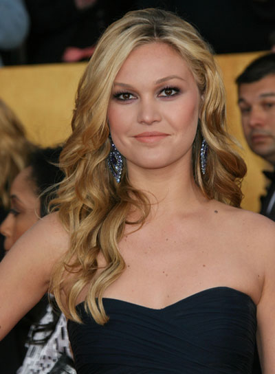Julia Stiles Long, Wavy, Blonde, Romantic Hairstyle