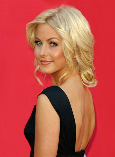 Julianne Hough Blonde, Curly, Romantic Updo