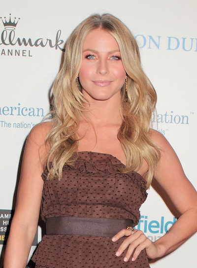 Julianne Hough Long, Layered, Wavy, Blonde Hairstyle