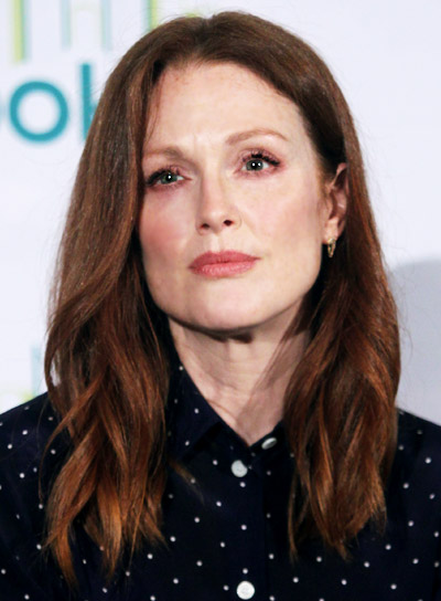Julianne Moore with a Medium, Red, Tousled, Wavy Hairstyle