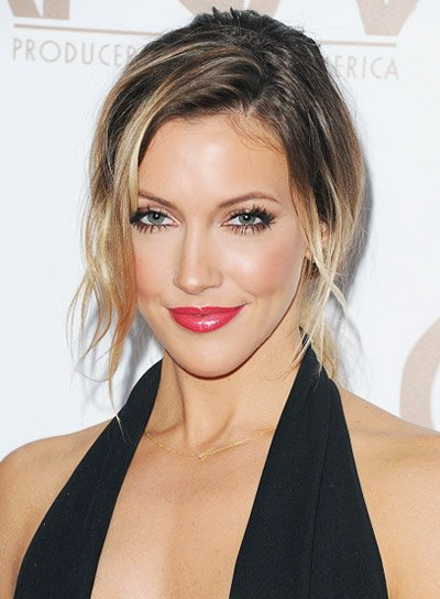 Katie Cassidy with Funky, Blonde, Wavy, Ponytail Hairstyle Pictures