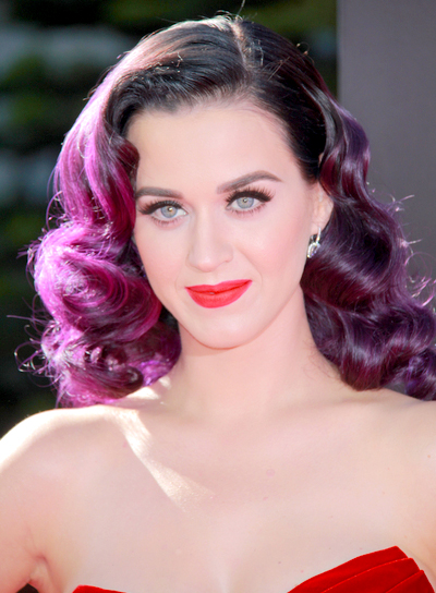 Katy Perry's Funky, Medium, Wavy, Party Hairstyle