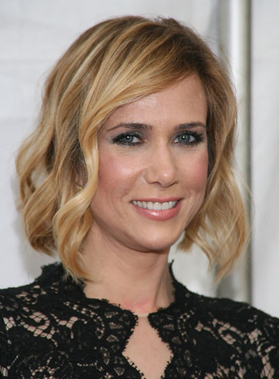 Kristen Wiig Medium, Wavy, Blonde Updo