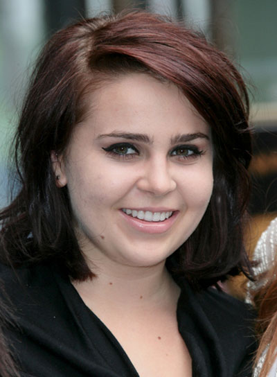 Mae Whitman Short, Straight, Chic, Brunette Hairstyle