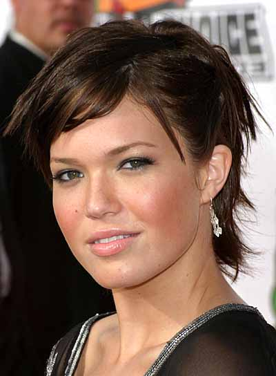 Mandy Moore Short, Straight, Funky Hairstyle