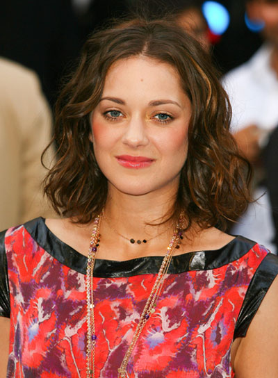 Marion Cotillard Wavy, Brunette Bob with Highlights