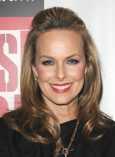 Melora Hardin Medium, Romantic, Brunette Hairstyle with Highlights
