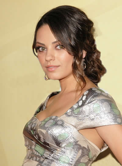 Mila Kunis Wavy, Romantic Hairstyle