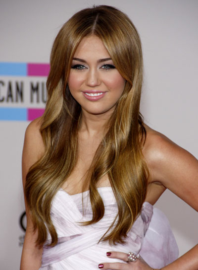 Miley Cyrus Long, Sexy, Blonde Hairstyle
