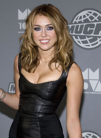 Miley Cyrus Medium, Wavy, Tousled Hairstyle